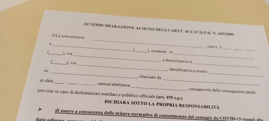 Coronavirus: l'Abruzzo passa dalla fascia gialla a quella arancione - Modulo di autodichiarazione spostamenti